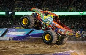 monster trucks crashing videos trucks uae this weekend motoring middle east truck crash s for