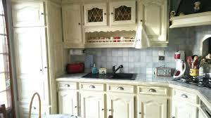peindre cuisine rustique rnover une cuisine rustique repeindre meuble cuisine rustique k