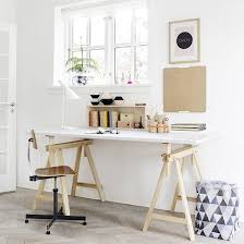 Diy Trestle Desk Diy Trestle Desk Homedezine