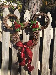 Mickey And Minnie Outdoor Christmas Decor by 30 Quirky Disney Christmas Decoration Ideas Christmas Celebrations