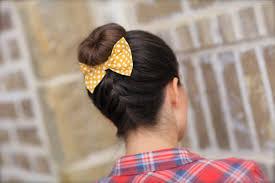 Einfach Hochsteckfrisurenen F Lange Haare by Eine Effektvolle Hochsteckfrisur Aus Einem Dutt Mit Flechtzopf