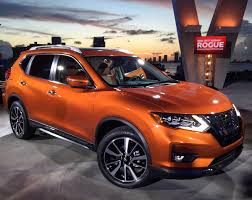 nissan rogue interior 2017 nissan rogue quite as good as in advance carbuzz info