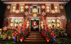 dyker heights christmas lights tour 2017 11 fun festive things to do in new york city this holiday season