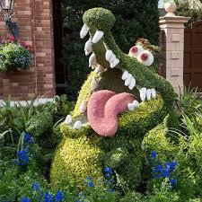 122 best toperaries images on pinterest topiary garden gardens