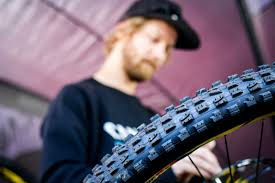tubeless tubed or system dirt