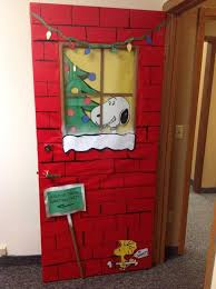 Christmas Door Decorations Ideas For The Office Best 25 Office Christmas Decorations Ideas On Pinterest Christmas