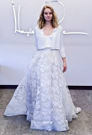 palermo wedding dress get palermo s wedding look complete with carrie bradshaw s