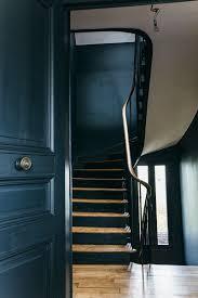 escalier peint en gris nuances de bleu u0026 style industriel frenchy fancy