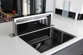 hotte industrielle cuisine plan de travail escamotable cuisine cuisine moderne ralise sur