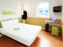 Schimmel Schlafzimmer Hinter Bett Hotel In Bagnolet Ibis Budget Paris Porte De Bagnolet