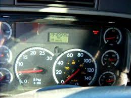 freightliner cascadia warning lights 2005 freightliner columbia low voltage at idle youtube
