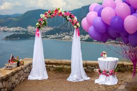 How To Make Wedding Decorations Simple Tips On How To Make Your Own Classy Wedding Decorations