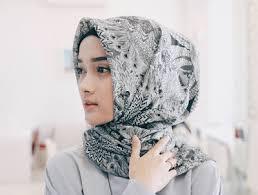 model jilbab macam macam kreasi cara memakai jilbab segi empat terbaru
