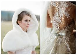 robe de mariã e hiver mariage hiver tenue winter wedding dress château de trouhans