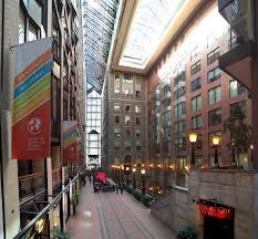 ouvrir un bureau de change fichier centre de commerce mondial de montréal intérieur jpg