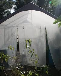 How To Keep A Bedroom Warm Simple Low Tech Trick That Keeps Your Greenhouse Warm And Cool