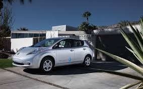 nissan leaf electric car price 2012 nissan leaf photo gallery motor trend