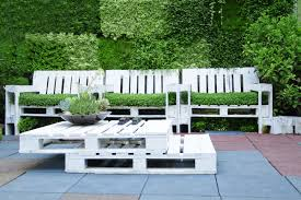 Pallet Furniture Patio by Pallet Furniture 34 Cool Examples You Can Diy Curbed