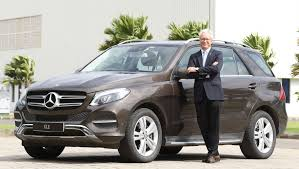 mercedes benz ceo mercedes benz gle400 petrol launched in india at rs 74 90 lakh