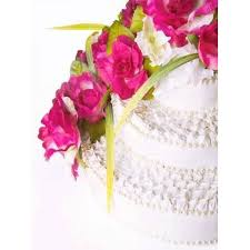 silk flowers on wedding cake 5000 simple wedding cakes