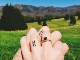 40 sweet wedding ring tattoo ideas you u0027ll want to copy