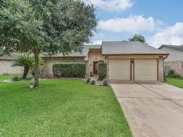 mayweather house 806 mayweather lane richmond tx 77406 greenwood king properties