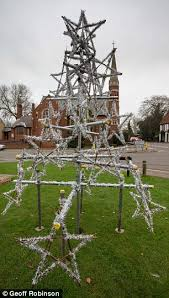 haddenham villagers complain over christmas made of scaffolding