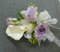 corsage and boutonniere prices prom corsages boutonnieres delivery frankfort il the flower