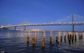 Bay Bridge Lights Bay Lights Artist Leo Villareal Turns San Francisco Oakland Bay