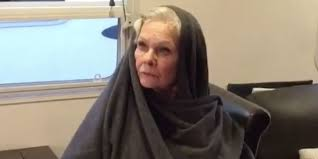 judi dench hairstyle front and back of head dame judi dench has some big star wars the last jedi questions for