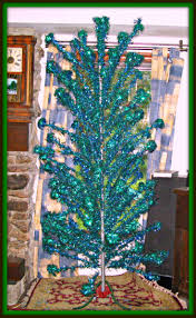 Pom Trees 9 Best Vintage Aluminum Christmas Trees Images On Pinterest
