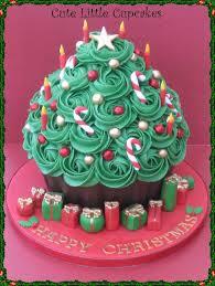 theme giant cupcakes giant cupcakes christmas themes and cake