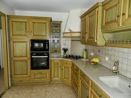 cuisine jaune et verte artisan fabricant de cuisine cantal auvergne cuisiniste