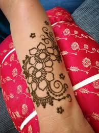 simple mehendi designs for upcoming festive occassions indusladies
