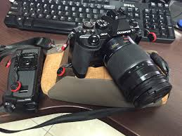 peak design camera clip attachments durability micro four thirds