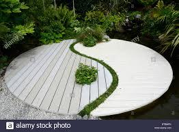Fung Shwai by Ying Yang Harmony Symbol Feng Shui Japanese Asian Garden Gardening