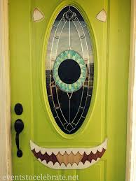halloween dorm door decorating ideas