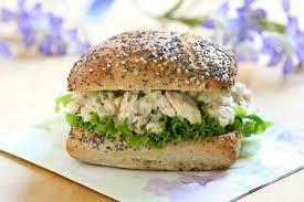 cuisiner le lieu noir recette burger royal de lieu noir et saumon