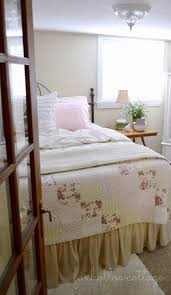 cottage bedrooms cozy