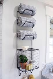 Houseboat Chip And Joanna Gaines Pet Friendly Mudroom Makeover From Fixer Upper Hgtv U0027s Decorating