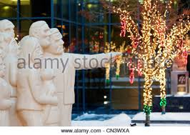 Cheap Christmas Decorations In Montreal by Canada Quebec Province Montreal Decorations And Christmas