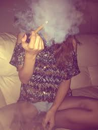 Girls With Beef Curtains Best 25 Rolling Blunts Ideas On Pinterest Weed Stoner And