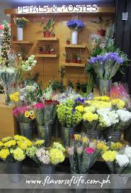 Flowers For Sale Robinsons Selections Opens At Mckinley Hill In Taguig
