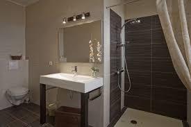 chambres hotes carcassonne salle de bain de la chambre d hôte mikado dans l aude en