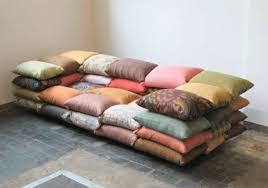 coussin de canapé design le design du canapé convertible pratique et confortable