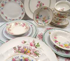 20 pc mismatched dinnerware set service for 4 in vintage