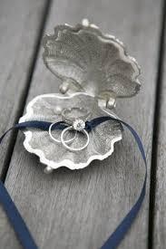 verlobungsring selbst gestalten die besten 25 verlobungsringe kissen ideen auf