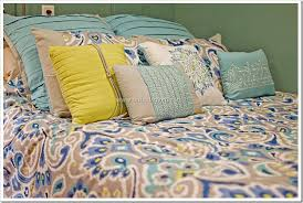 Kohls Bed Set by Kohl U0027s Home Trends Bright Colors Transform The Bedroom