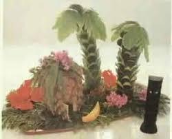 luau palm tree centerpiece