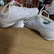 trolls light up shoes 68 off payless shoes trolls poppy light up poshmark